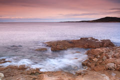 La costa costa en Algajola, Córcega Fotos de archivo