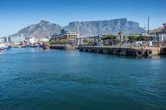La costa de V&A en Cape Town, Suráfrica Foto de archivo