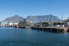 La costa de V&A en Cape Town, Suráfrica Imagen de archivo libre de regalías