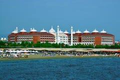 La costa del centro turístico del mar Mediterráneo cerca de la ciudad de Manavgavt Imagen de archivo