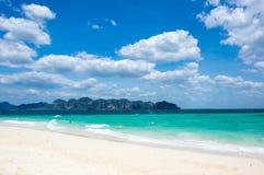 La costa del mar de Andaman fotografía de archivo libre de regalías