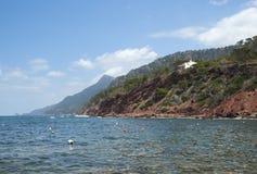 La costa del mar Mediterráneo Foto de archivo libre de regalías