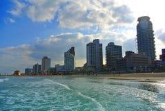 La costa del mar Mediterraneo con una vista di Tel Aviv l'israele Fotografie Stock Libere da Diritti