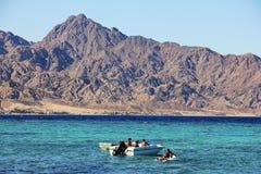 La costa del Mar Rojo en Dahab, Egipto imagen de archivo