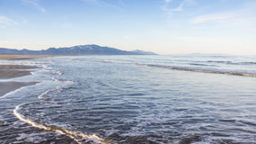 La costa del mare di Okhotsk Fotografia Stock Libera da Diritti