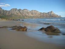 La costa del Océano Atlántico Imágenes de archivo libres de regalías