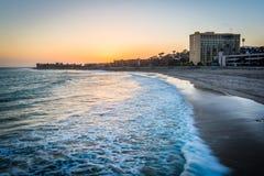 La Costa del Pacífico en la puesta del sol, en Ventura, California Fotos de archivo