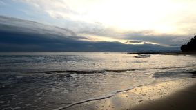 La costa di Benicasim ad alba stock footage