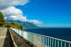 La costa di Mar Nero dell'Abkhazia Immagine Stock