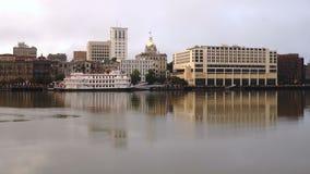 La costa histórica y la base urbana céntrica Savannah Georgia almacen de video