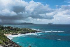 La costa a lo largo de la playa de Makapuu, Oahu, Hawaii fotos de archivo libres de regalías
