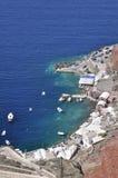 La costa rocosa de la isla en el Mar Egeo. Imagen de archivo libre de regalías