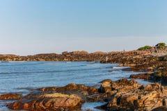 La costa costa rocosa de Ogunquit, Maine Foto de archivo libre de regalías