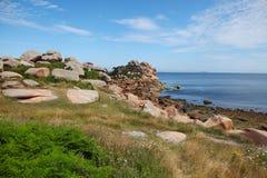La costa rosada del granito, Cote de granit subió, en Bretaña Imágenes de archivo libres de regalías