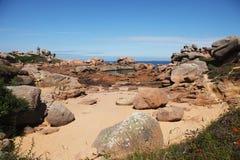 La costa rosada del granito, Cote de granit subió, en Bretaña Fotografía de archivo