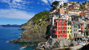 La costa variopinta in Cinque Terre, Corniglia, Italia Immagini Stock