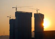 la costruzione alloggia tre sotto Fotografie Stock Libere da Diritti