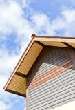La costruzione con il tetto di timpano Immagine Stock Libera da Diritti