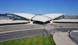 La costruzione del centro di volo del TWA di Saarinen al John F Kennedy International Airport Immagine Stock