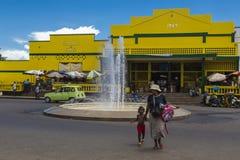 La costruzione del mercato di Ville dell'inferno, curiosa è fotografie stock libere da diritti