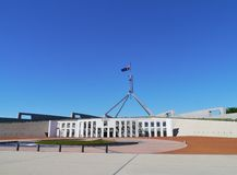La costruzione del Parlamento a Canberra Fotografia Stock Libera da Diritti
