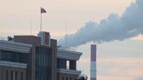 La costruzione della corte di arbitrato nel tramonto di inverno della Russia t video d archivio