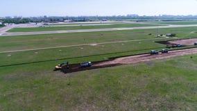 La costruzione della pista video d archivio