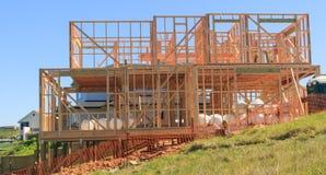 La costruzione di legno della casa, costruente si dirige in Nuova Zelanda fotografia stock
