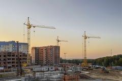 La costruzione di nuovi condomini Immagine Stock Libera da Diritti