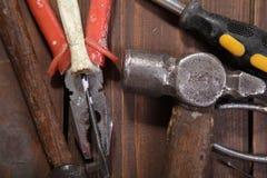 La costruzione martella le pinze dello strumento della riparazione del cacciavite Fotografia Stock