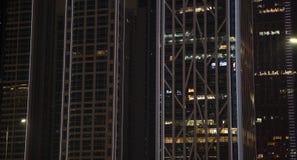 La costruzione moderna con le luci immagini stock
