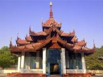 La costruzione quella alloggia il ` s più grande Bell del mondo a Mandalay, Myanm Fotografie Stock
