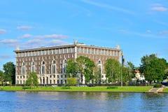 La costruzione sull'isola di Krestovsky sulla via di delegato, alloggia 26 l'acqua m. Immagine Stock Libera da Diritti