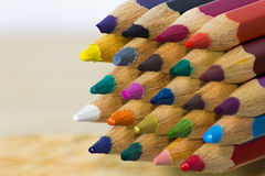 La couleur crayonne le fond Image libre de droits