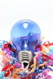 La couleur d'une bande élastique avec la lumière bleue Photos stock