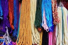 La couleur différente perle le fond Photos stock