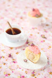 La coupe du litchi Rose Cupcake images libres de droits