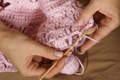 La création de handcraft l'habillement Images libres de droits