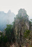 La crête de stalagmite en brouillard Photo stock