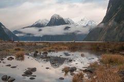 la crête neuve nationale de stationnement de mitre de milford de fiordland retentit la zélande Milford Sound Photo libre de droits