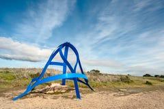 La creatura blu medita al parco Fotografia Stock