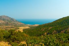 La Crimea: paesaggio della montagna ed il mare Fotografia Stock Libera da Diritti