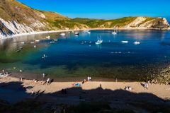 La crique de Lulworth est une crique pr?s du village de Lulworth occidental image stock
