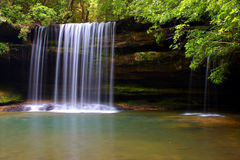 La crique supérieure de Caney tombe en Alabama Photos libres de droits