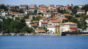 La Croatie, Kvarner, île de Krk, ville de silo Photos libres de droits