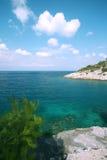 La Croazia, isola di Hvar, bella vista sul mare e spiaggia Immagini Stock