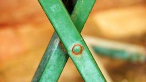 La croix est un symbole d'un type de jambe de table photographie stock libre de droits
