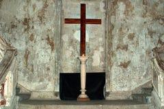 La cruz en la iglesia luterana finlandesa Imagen de archivo libre de regalías