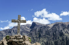 La cruz en valle hace Colca Imagen de archivo