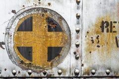 La cruz más añade vieja textura del fondo del metal Fotografía de archivo